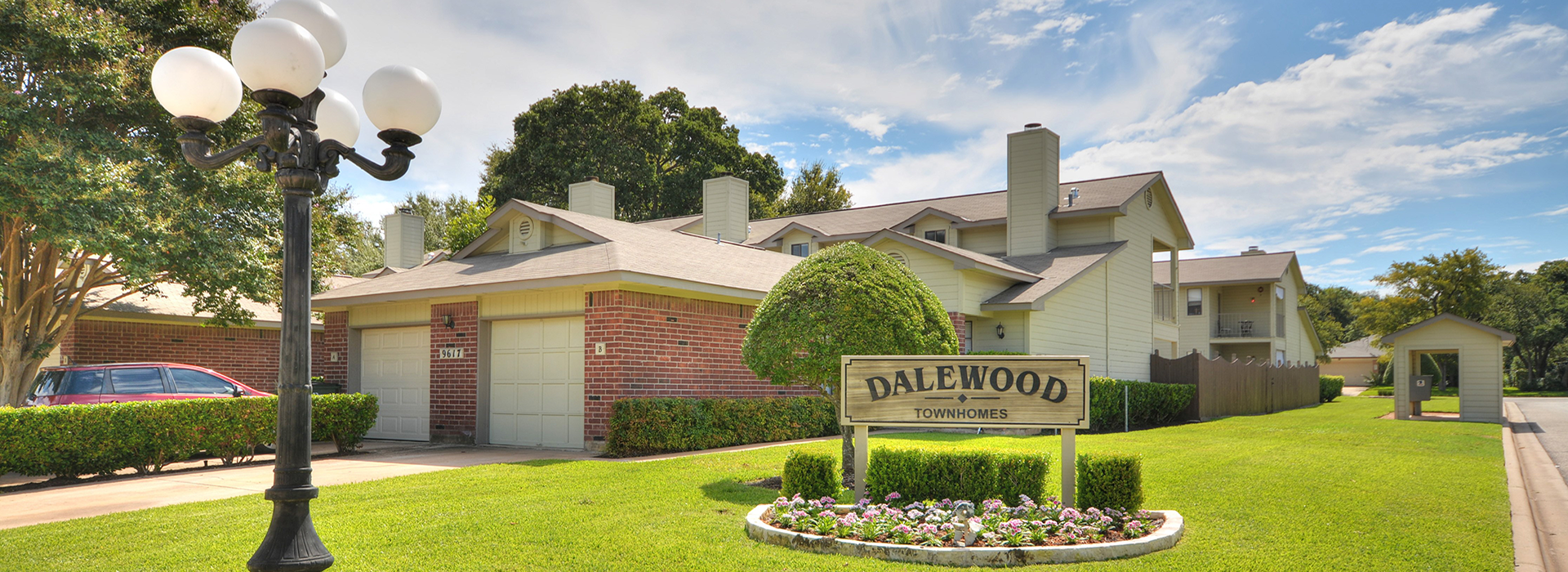 Wondrous Dalewood Townhomes Townhomes In Austin Texas Interior Design Ideas Gentotryabchikinfo